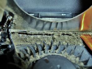 Ein verdreckter Lüfter vor einer Notebook Reparatur, bzw.  Laptop Reparatur.